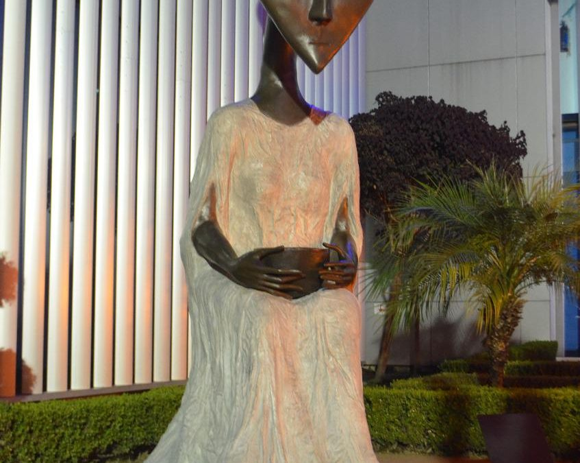 Benito Juárez exhibe escultura de Leonora Carrington