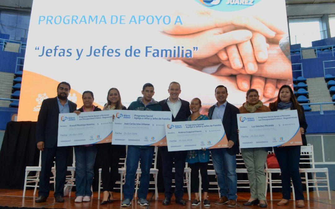 Alcalde Santiago Taboada entrega apoyos sociales a mil benitojuarenses
