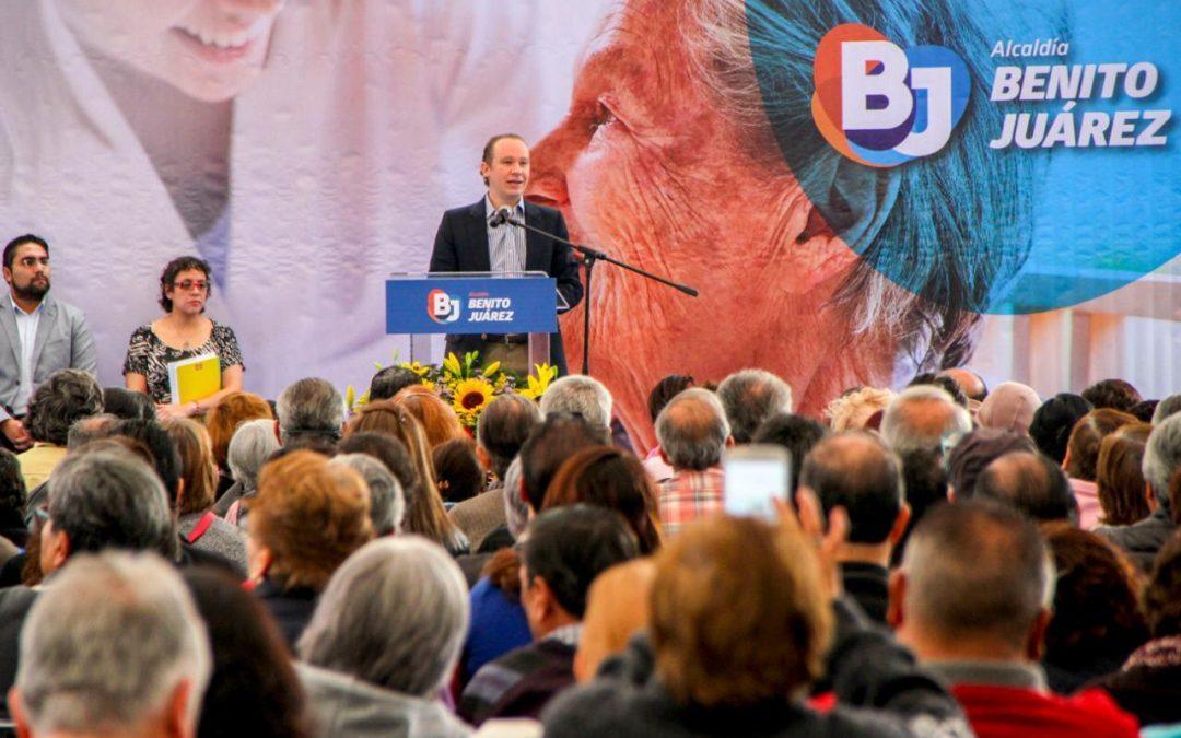 Entrega alcalde Santiago Taboada apoyo a adultos mayores de Benito Juárez